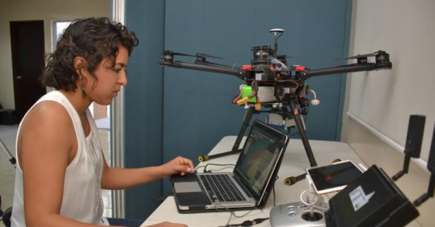 0 a laboratorio de drones en la paz