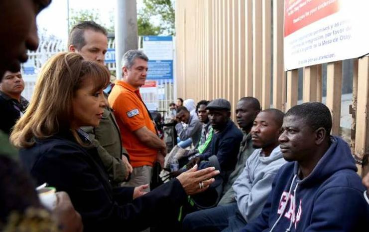 d a migrantes africanos y de haiti san ysidro
