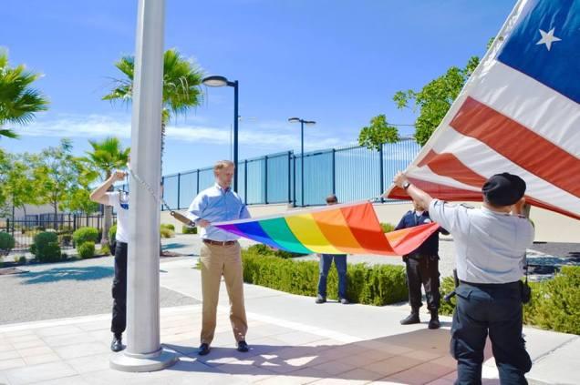 d a consulado bandera lesbico gay tijuana