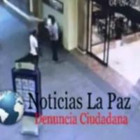 ¡Exclusiva!: En #LaPaz cámaras de seguridad registran momento de balacera afuera de Cinépolis