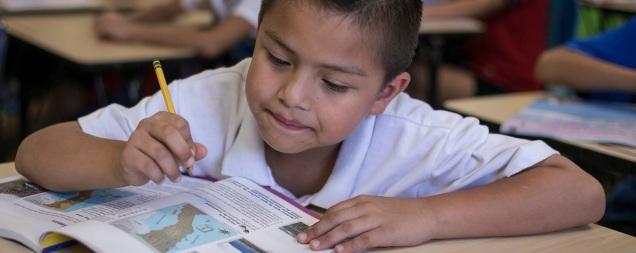 d-a-clases-educacion-alumno-escuela