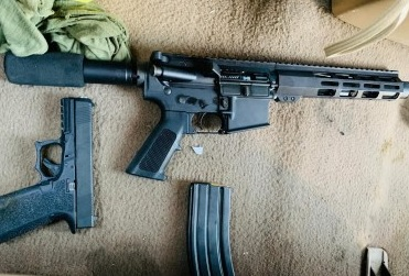 d a a a a cuerno de chivo y pistola tijuana