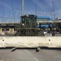 Cerrados tres carriles en la garita de San Ysidro por llegada de Centroamericanos