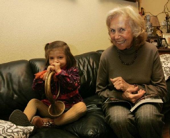 d a a a abuelas nietos